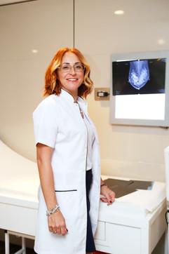 Kırk yaş sonrası yıllık mamografi çektirmeyi unutmayalım