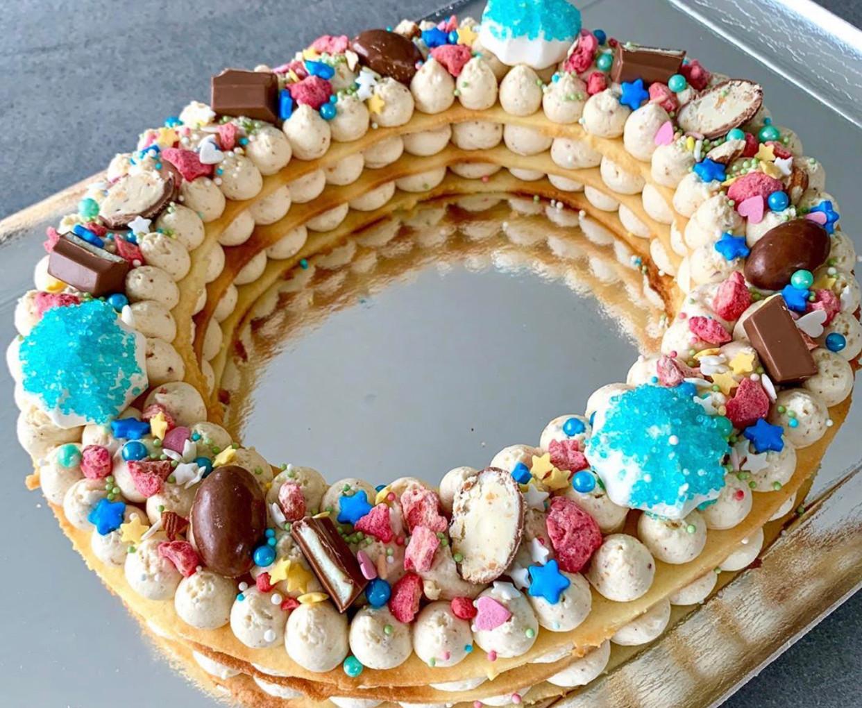 Letter Cake Praliné