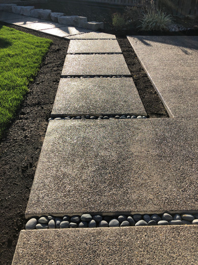 Exposed Aggregate Walkway with river rock