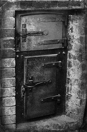 Mernda Bakery-Lizzie&Matt Cast Iron door