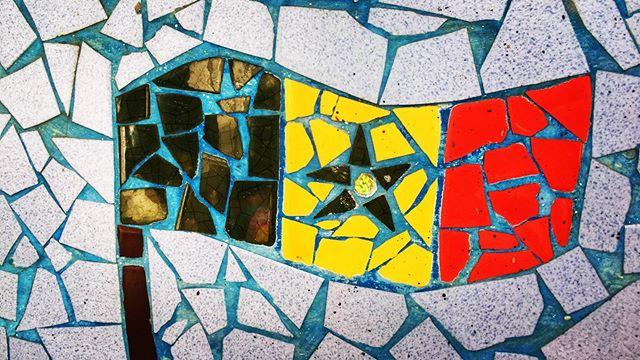 Ngor Island mosaic of Senegalese flag