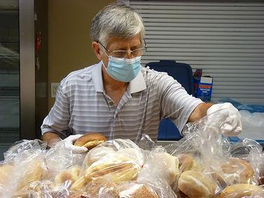 Gord bagging buns.JPG