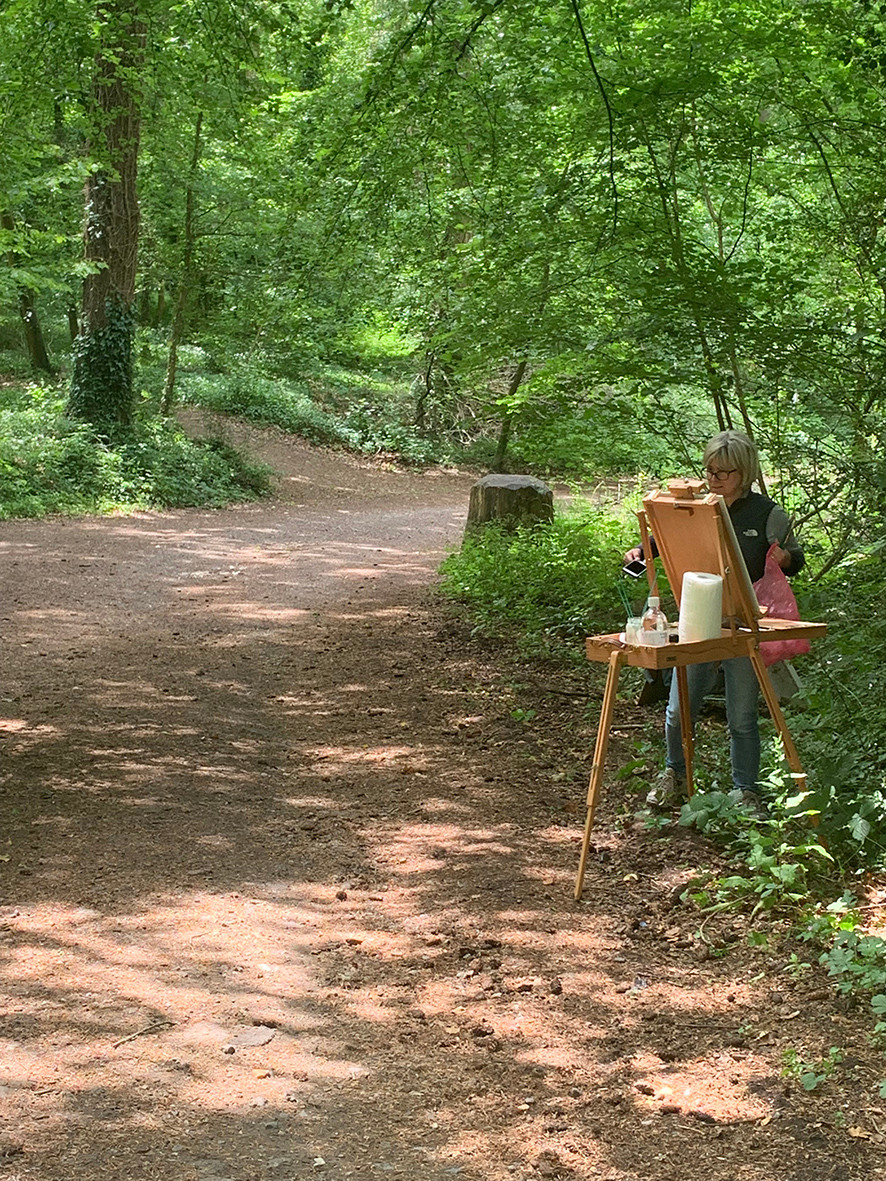 Pip enjoying plein at, on the Monarch's Way, Stansted, Rowlands Castle, with oil paint!