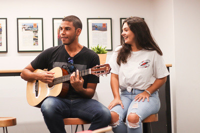 brisbane-students-guitarjpg
