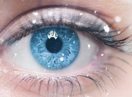 瞳の色について