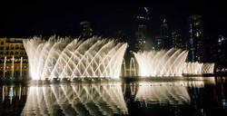 поющие фонтаны Дубай мол