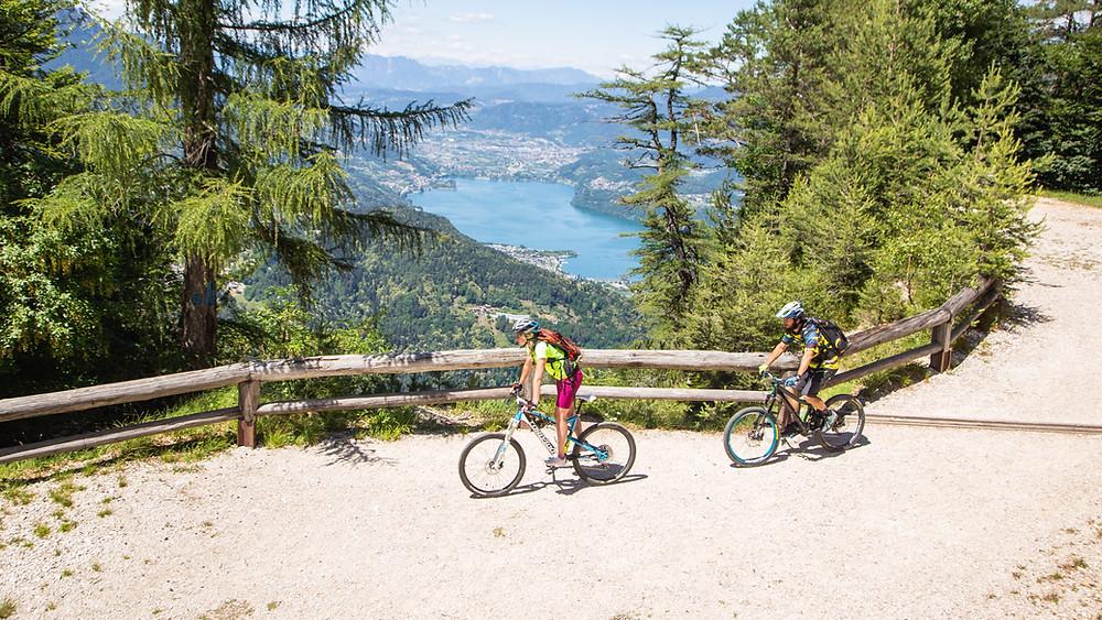 Sentiero delle Sorgenti a Lavarone sull'Alpe Cimbra