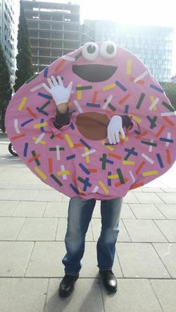 Fotos solidarias con nuestro donut!
