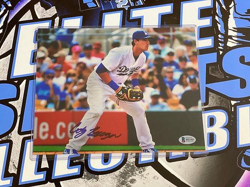 Cody Bellinger 8x10 (Beckett)