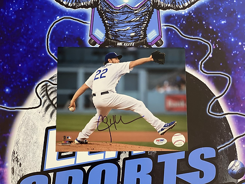 Clayton Kershaw Signed 8x10 Photo (PSA/DNA)