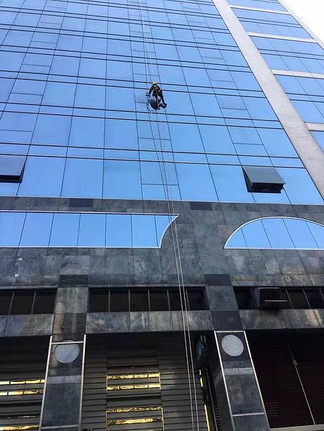吊板高空工作 (1).jpg