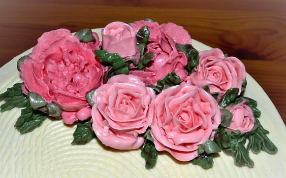 Кремовая флористика для свадебных тортов