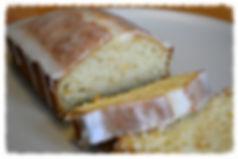 Очень нежный и ароматный кекс с цедрой апельсина, политый миндальной глазурью