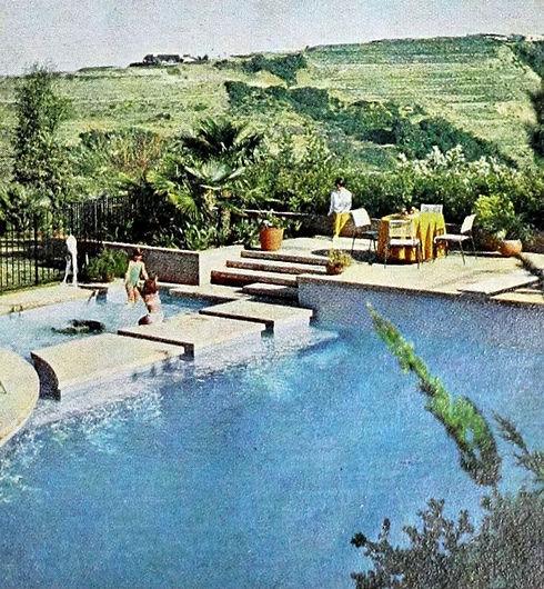 Vintage-swimming-pool-design-in-Encino-C