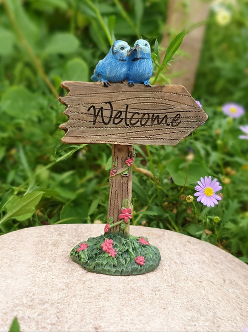 welcome sign with Blue wrens