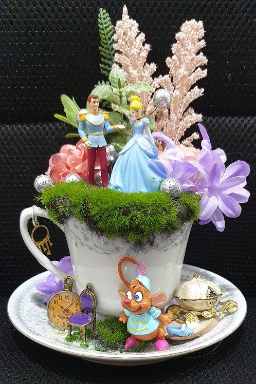 Tea cup delight - Cinderella