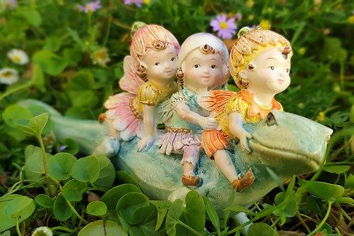 Sweetpea fairies riding lizard