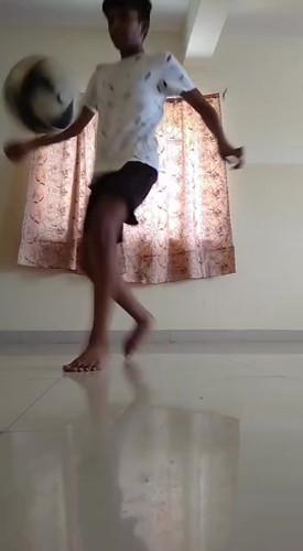Adi Juggle.mp4