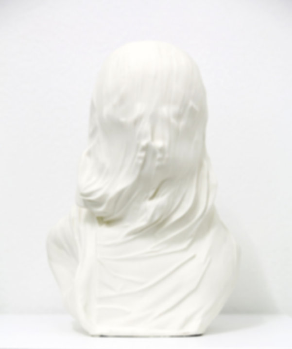 Christian-Gonzenbach,-Unveil,-2016,-bone-china,-cm-31x19,5x16--3_edited.jpg