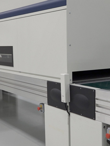 Flat Dryer In Lab 1.jpg