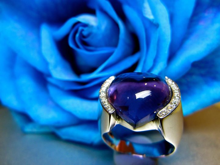 The heart of rough Amethyst is making the most vivid color on the violet.