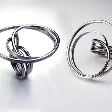 Medium Stainless Swirl Ring.