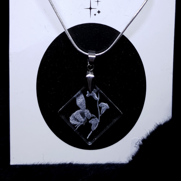 glass engraved necklace, bee with flowers