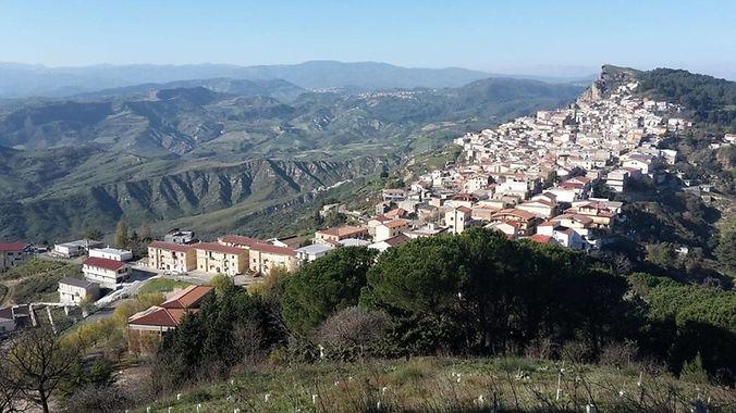 San Nicola dell'Alto tra le poesie del Premio Letterario il Borgo Italiano 2021