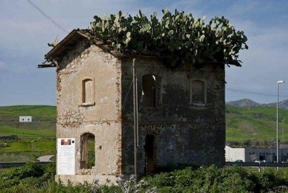 Dittaino - La casa del fico d'India
