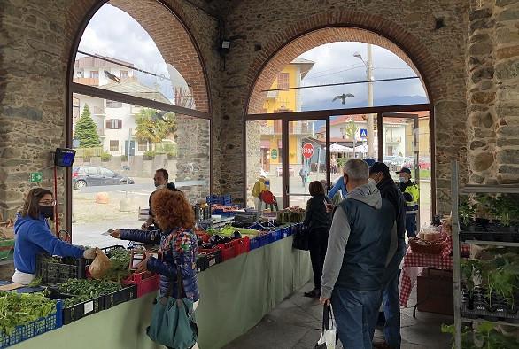 Lanzo Torinese - mercato coperto