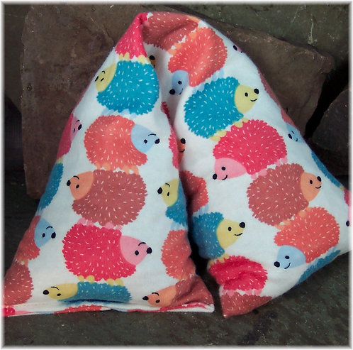 Cute hedgehogs heat pad