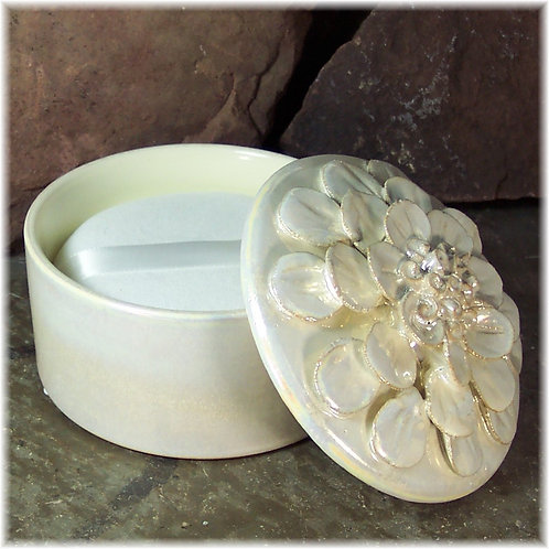 Ceramic Flower Powder Dish & Handmade Puff