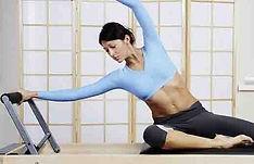 Aula de Pilates Studio na academia feminina em Perdizes