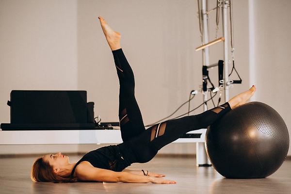 Pilates em Perdizes utilizando todos os equipamentos de Pilates Studio