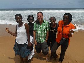 Journée de détente des éducateurs du Caillou Blanc maison d'accueil enfants infectés VIH Abidjan.