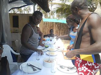 Journée de détente des éducateurs du Caillou Blanc maison d'accueil d'enfants infectés VIH Abidjan