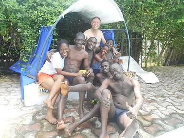 Journée de détente des éducateurs du Caillou Blanc maison accueil enfants infectés VIH Abidjan