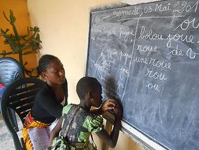 Santé, Education, Vie sociale sont les trois piliers de l'action du Caillou Blanc à Abidjan
