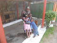 caillou blanc enfants maison d'accueil abidjan