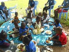 Première journée des famille organisée parle Caillou Blanc Abidjan : comment éduquer cet être unique qu'est mon enfant ?