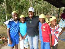 Sortie des enfants du Caillou Blanc dans la forêt du Banco