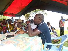 Parfait Essoh directeur du Caillou Blanc à la première journée des familles à Songon