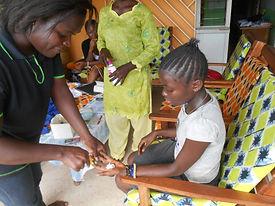 L'action sanitaire, le suivi des enfants du Caillou Blanc sont prioritaires