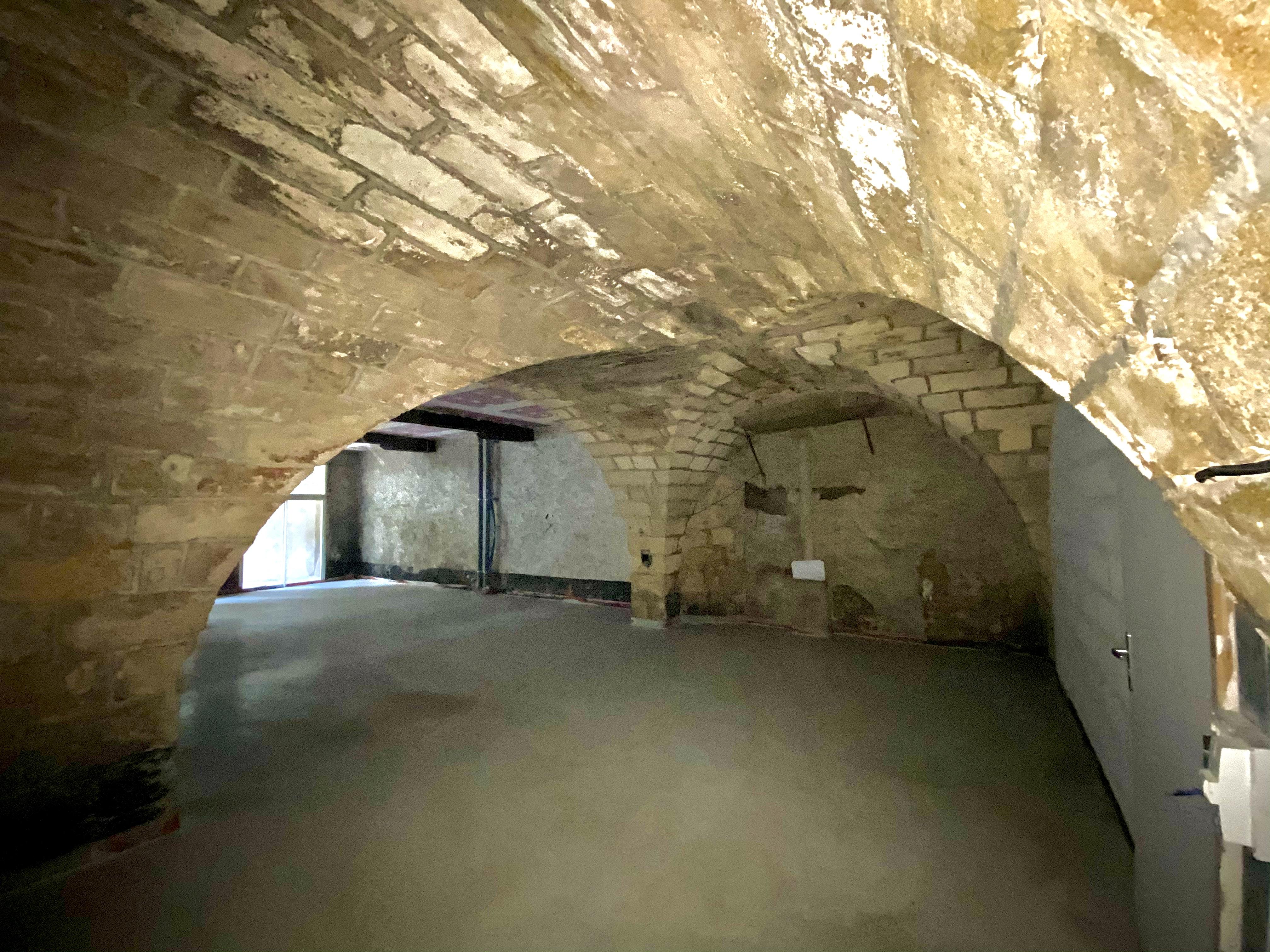 Chartrons plateau à rénover Bordeaux voutes