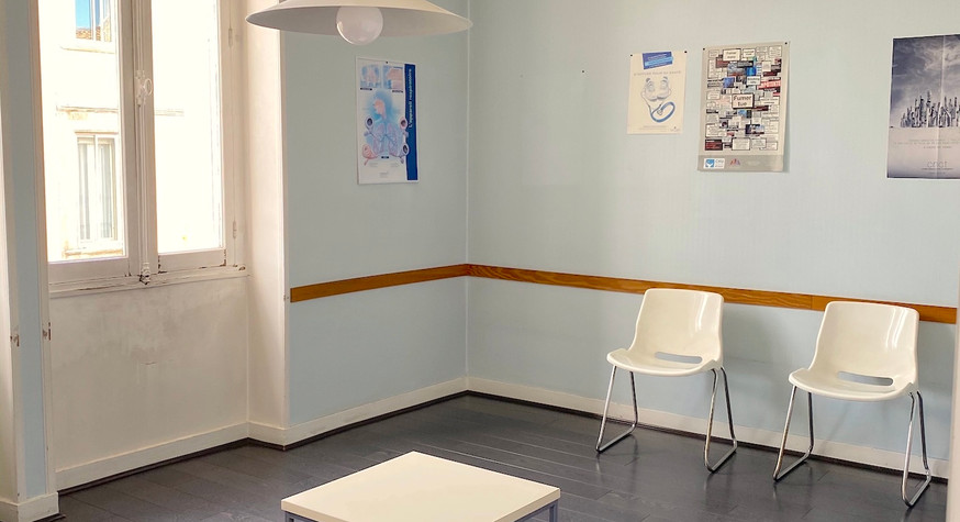 bureaux_st-genes_salle-attente-63jpg