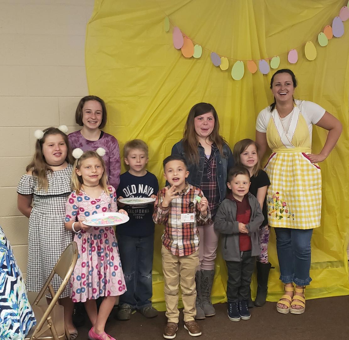 Ms. Hannah & kids