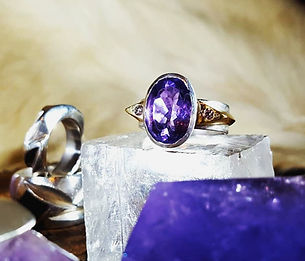 Gold and amethyst ring by Ibex Gold of Cheshire