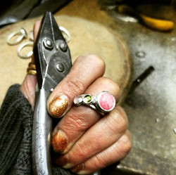 Set silver ring with pliers