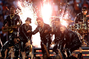 beyonc-coldplay-and-bruno-mars-take-over-the-super-bowl-50-halftime-show-1jpg.jpg