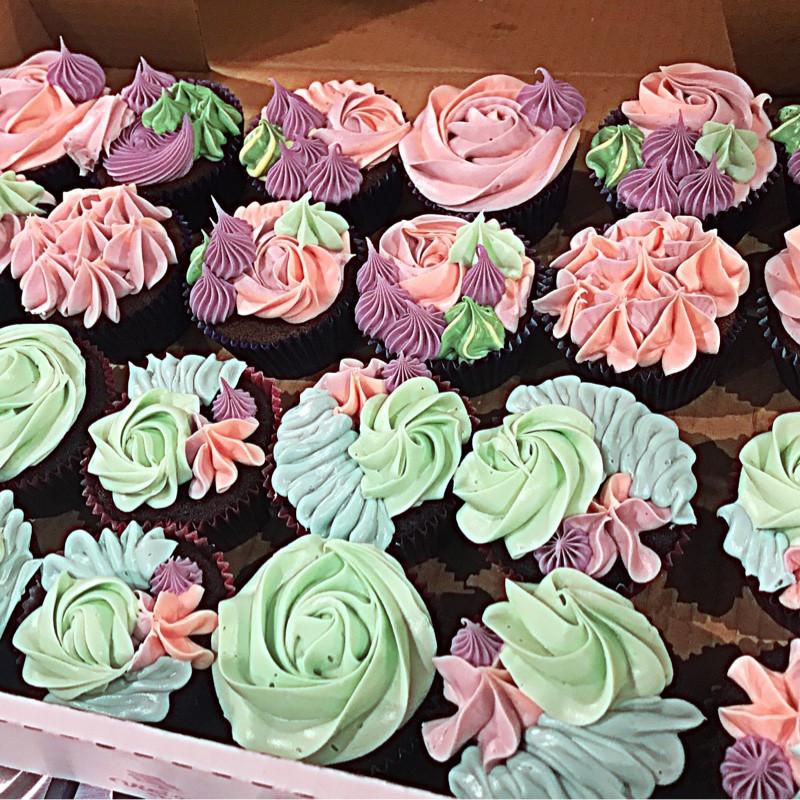 Floral Spring cupcakes
